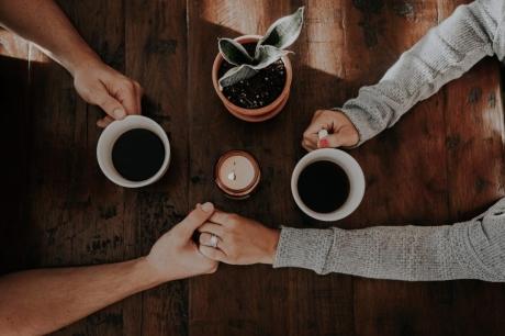 8 lời khuyên vàng từ chuyên gia về chuyện tình cảm