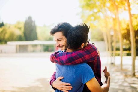 12 kiểu ôm khác nhau và ý nghĩa