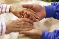 Trong chúng ta, có mấy người thật sự nhớ tuổi của cha mẹ mình?