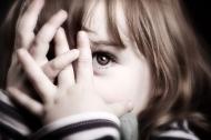8 việc làm của cha mẹ khiến trẻ sợ hãi