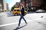 6 món đồ mix cùng quần jean giúp bạn nghiễm nhiên đẹp không cần bàn