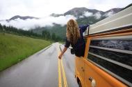 Cảm giác yêu cũng giống như chờ xe buýt, lên hay không lên là do bạn lựa chọn