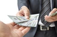 Cách từ chối cho mượn tiền tránh gây mất lòng
