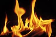 Lòng người là giấy, xin đừng đem thử lửa