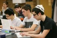 Bí quyết để người Do thái trở nên xuất chúng và giàu có nhất thế giới
