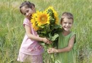 6 giá trị tinh thần cha mẹ phải mang đến cho con