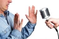 Cách giúp bạn đi qua nỗi sợ nói trước đám đông