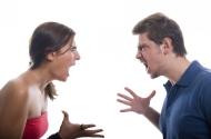 9 suy nghĩ tiêu cực đang âm thầm tàn phá mối quan hệ của bạn