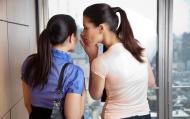 Vì sao chúng thích nói xấu sau lưng người khác?