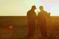 Chuyện 2 bác nông dân: Cho đi lòng tốt, nhận về yêu thương