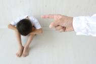 Những câu nói vô tình của cha mẹ khiến con cái tổn thương ghê gớm