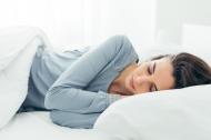 Ngủ nghiêng bên trái hay bên phải tốt nhất?