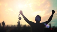 5 Đừng, 8 Nên, 9 Lời khuyên để trở thành một người giàu có