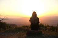3 hành vi tiêu cực âm thầm phá hỏng cuộc đời bạn
