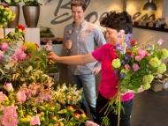 Speaking is easy: Choosing Flowers