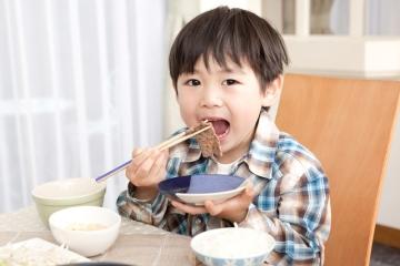 Những điều người Nhật tránh nói với trẻ lại là câu cửa miệng của bố mẹ Việt