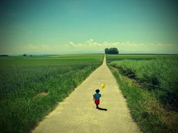 Đường đi ngàn dặm, bắt đầu từ bước đầu tiên