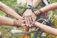 Những câu nói thấm thía về tiền và tình bạn