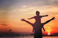 Năm đức hạnh của người cha giúp cho con cái thành người